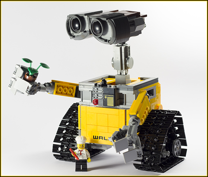 21303 Wall-E Review 34