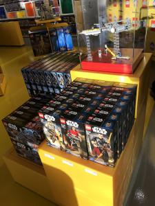 Dreamworld LEGO Store (28)