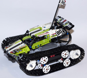 RC Tracked Racer 42065 Main