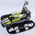 RC Tracked Racer 42065 Main A