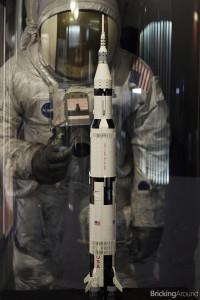 21309 Saturn V Planetarium07