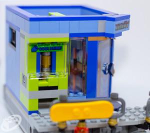 70657-ninjago-city-docks-021
