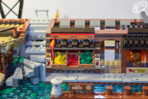 70657-ninjago-city-docks-034