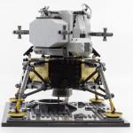 10266-apollo-11-lander05