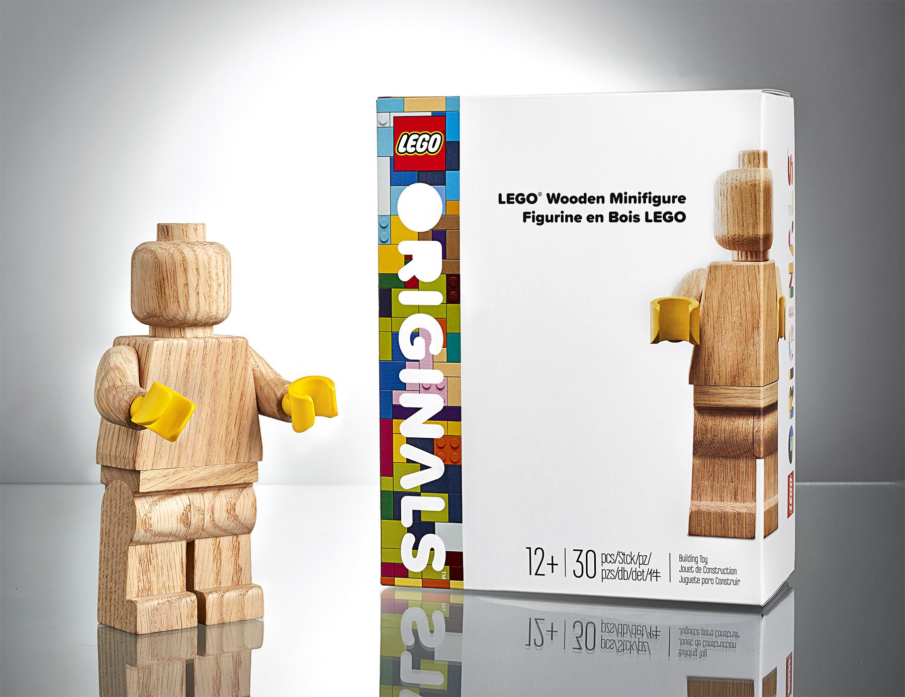 lego-originals-minifigure-and-box