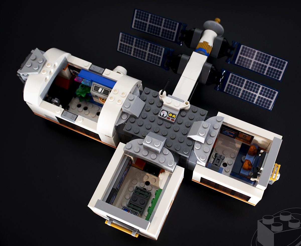 lunar-space-station-06