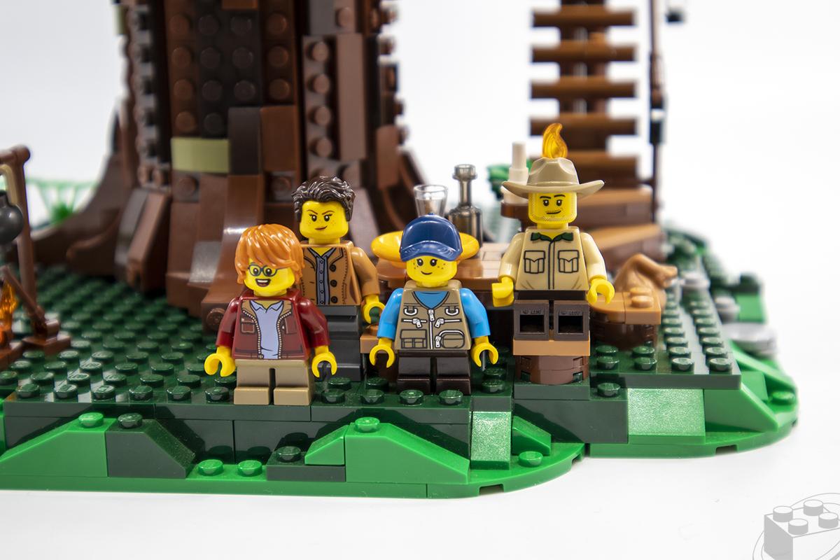 lego-treehouse-09