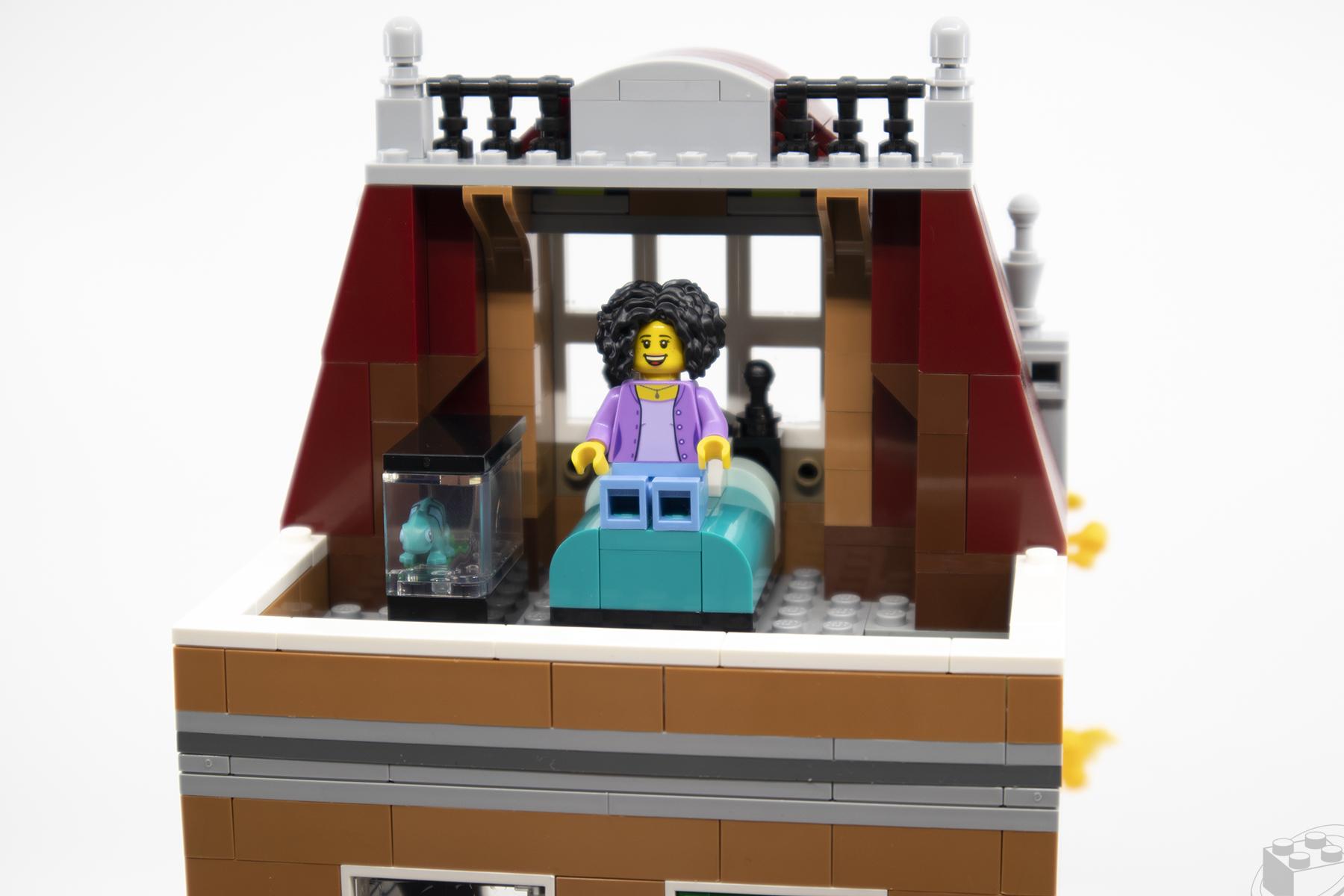 lego-bookshop-07