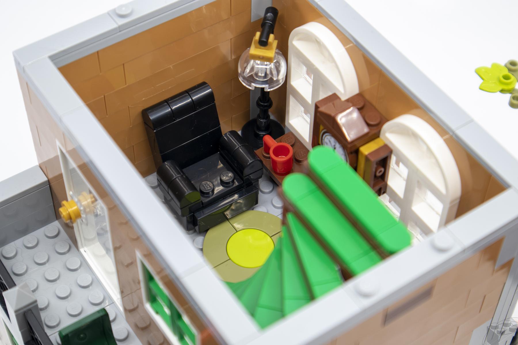 lego-bookshop-11