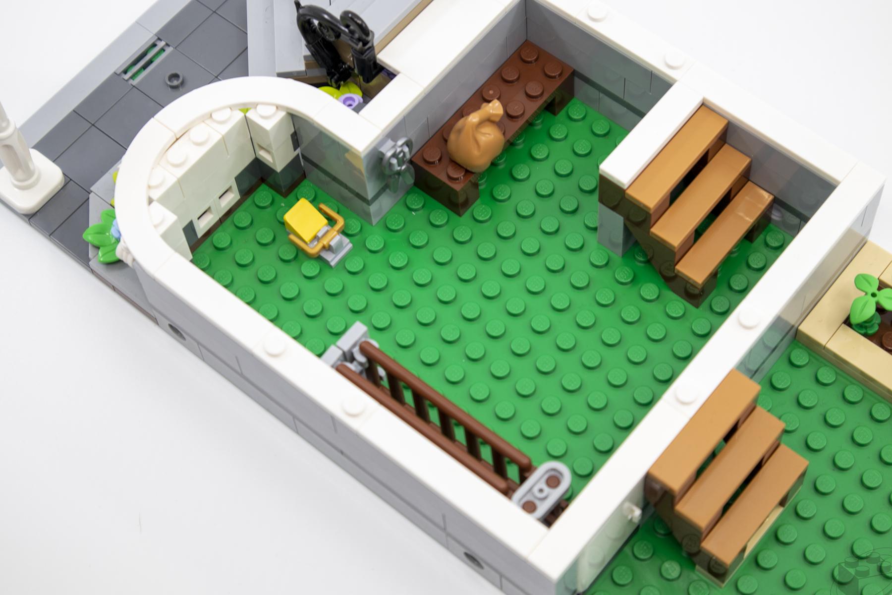 lego-bookshop-37