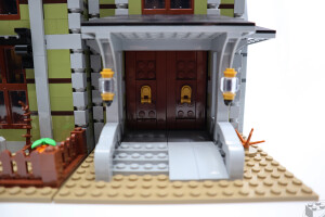 10273-haunted-house-review-4