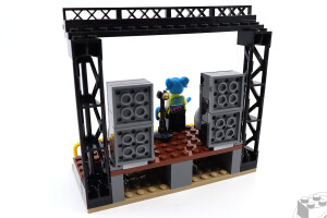 60271-main-square-020